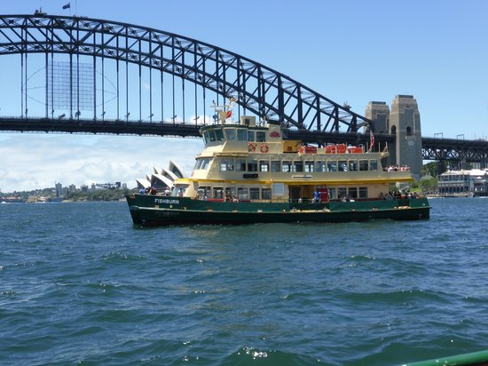 Sydney Ferries : Ferry from Circular Quay to Darling Harbour