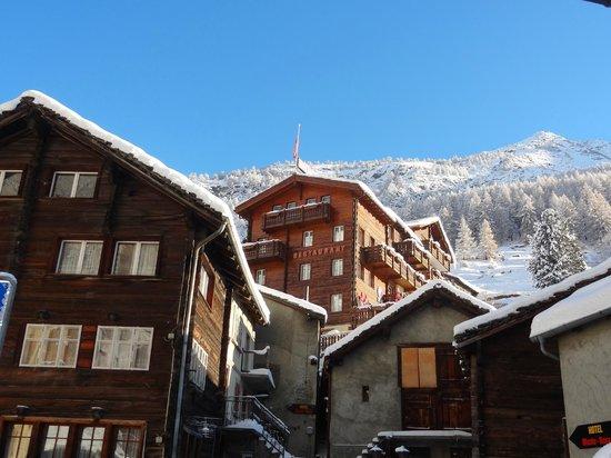 hotel monte rosa saas:
