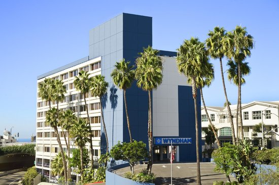 Wyndham Santa Monica At The Pier : Hotel Exterior