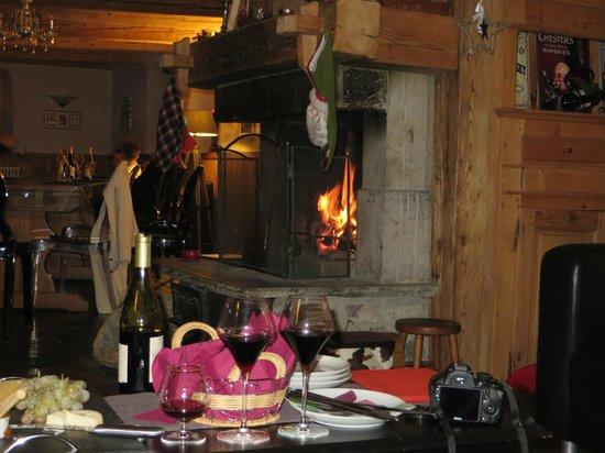 Ride & Slide - Chalet La Ferme a Mamy: The open fire