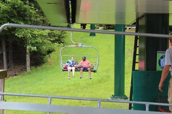 Snowshoe Mountain Resort : Riding the lifts down to swim was FUN!