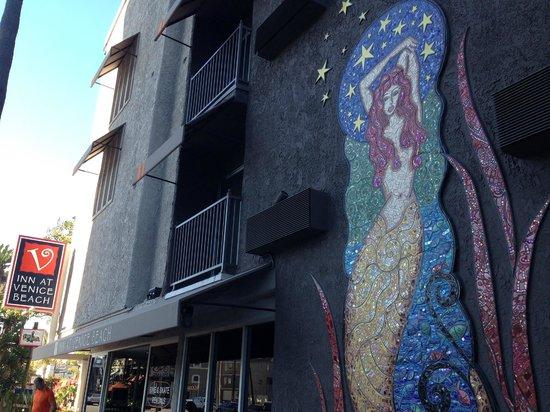 Inn at Venice Beach: Front entrance