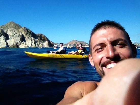High Tide Sea Expeditions : Kayaking in Cabo with Carlos!