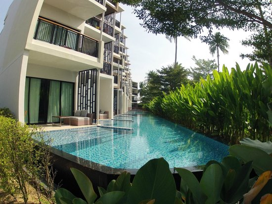 Holiday Inn Phuket Mai Khao Beach Resort: chambre acces pool