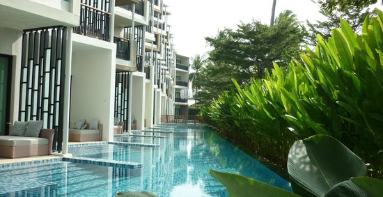 Holiday Inn Phuket Mai Khao Beach Resort: acces pool