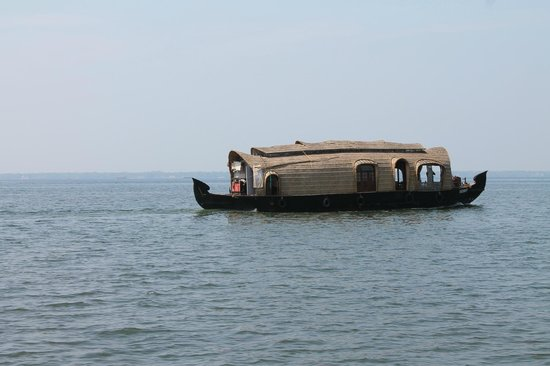 Kumarakom Bird Sanctuary: kumarakom house boat