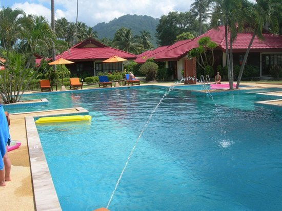 Viva Vacation Resort: Huge clean pool with spa jets for relaxation