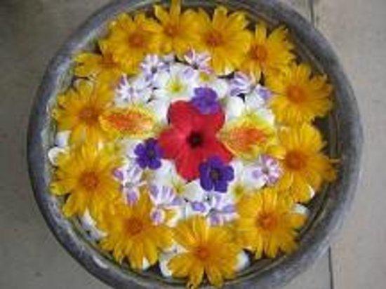 AVANI Bentota Resort & Spa: Blumenarrangements
