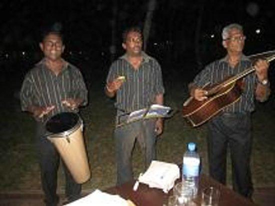 AVANI Bentota Resort & Spa: Jederzeit Musik zum Abendessen
