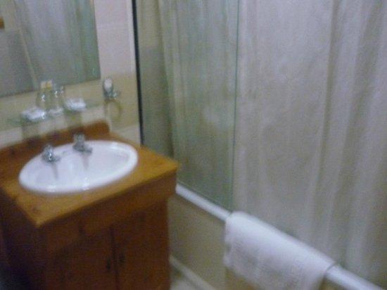 Sandringham Hotel: bagno