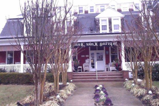 Spring Lake Inn: Front