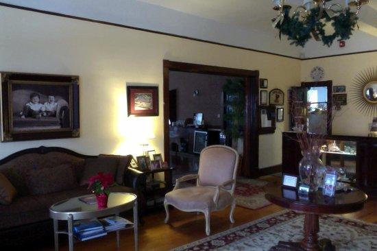 Spring Lake Inn: Lobby