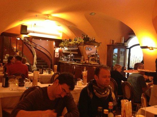 La Bussola: interno del ristorante