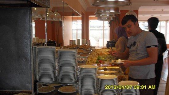 Yaztur Hotel: rich breakfast