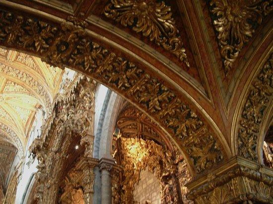 Sao Francisco Church (Igreja de S Francisco): Gli archi delle navate