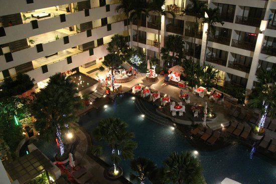 Deevana Plaza Phuket Patong: Вид с балкона