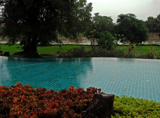 The Legend Chiang Rai : Piscina