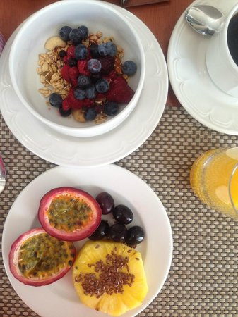 Southern Sun The Cullinan: fruits at breakfast