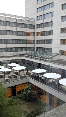 Crowne Plaza Paris Neuilly: View from room