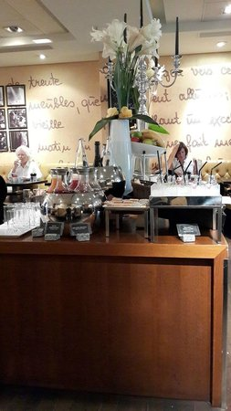Mövenpick Hotel Paris Neuilly: Breakfast