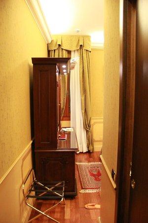 Hotel Al Codega : corredor até o armário