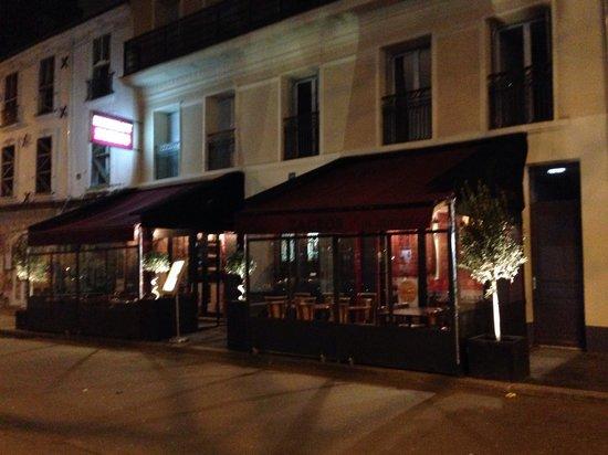 zagros paris belleville pere lachaise restaurant reviews phone number photos tripadvisor. Black Bedroom Furniture Sets. Home Design Ideas