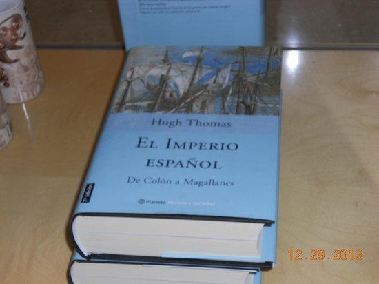 Museo de América: Museum of the Americas - book in gift shop