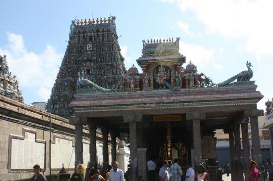 Kapaleeshwar Temple: TEMPLE