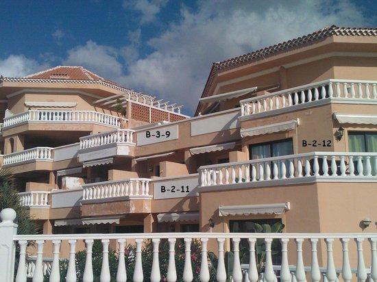 Tenerife Royal Gardens: Vår balkong rum B-2-11