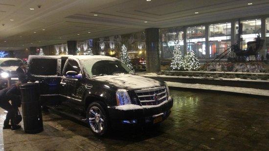 New York Hilton Midtown : lobby car access