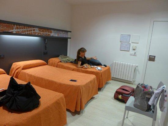 Hostal Benidorm: Комната на 3 человек