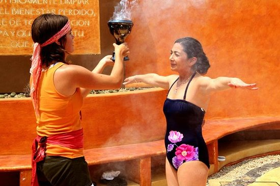 Malinalco, Mexico: Ritual de baño de temazcal todos los fines