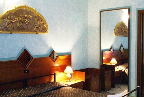 Hotel Farini: Camera
