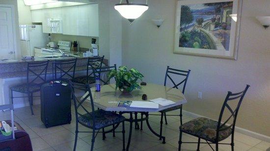 Westgate Vacation Villas Resort & Spa : cozinha e sala de jantar