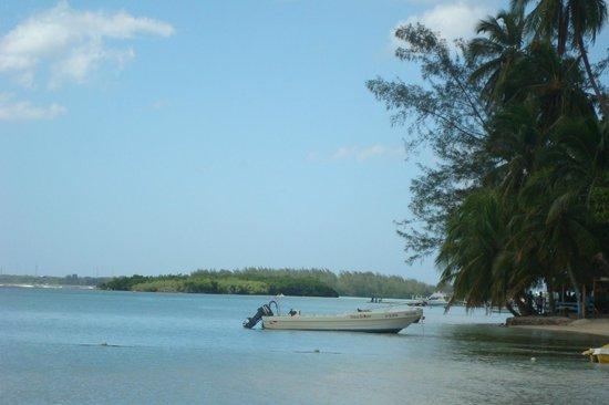 Boca Chica: mar turquesa e areia branca