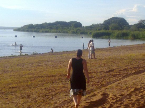 Itapura, SP: Foz do Rio Tietê - Praia
