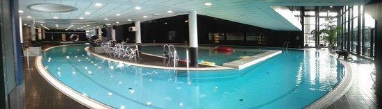 DGI-byens Hotel: 100m lap pool!!