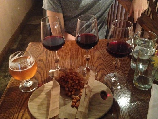 Bridge Tap House and Wine Bar : Wine flight, 12 oz beer on tap and some beer nuts!