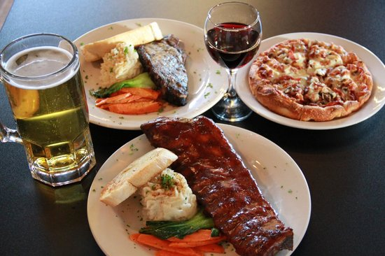 Cornerstone Bar & Grill : Meals