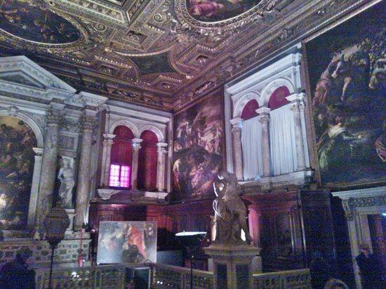 Scuola Grande di San Rocco: Sfarzo ed arte sublime!