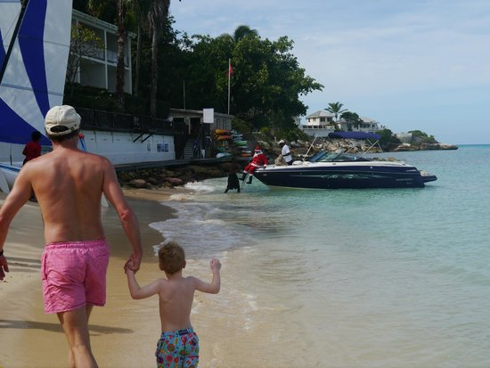 Blue Waters Antigua: Father Christmas arriving by boat!