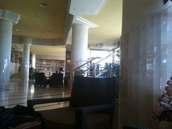 Hotel Puertobahia & Spa : otra zona de recepción