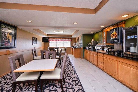 BEST WESTERN Germantown Inn: Breakfast Area