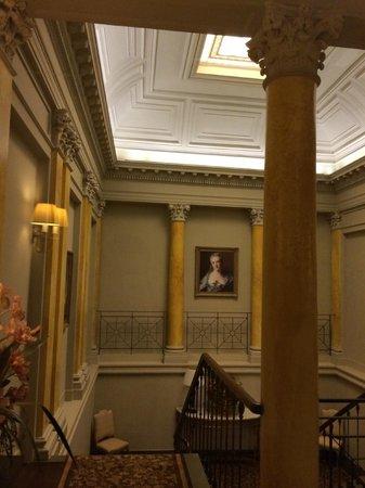 Grand Hotel Casselbergh Bruges: Les escaliers