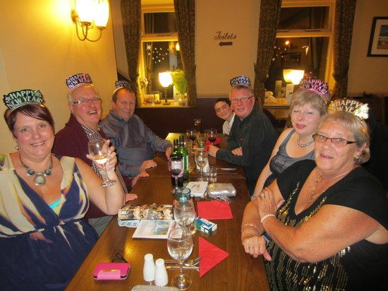 Crossroads Inn: New Years Eve Dinner and Party Night
