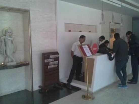 Spree Shivai Hotel: Efficient Front Desk