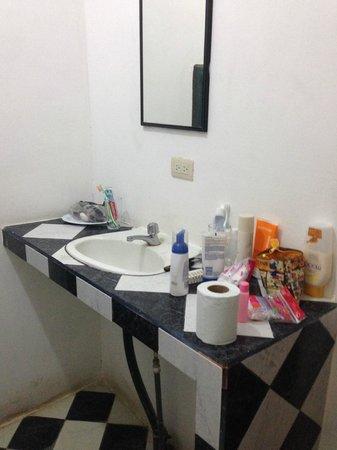 Pargo Feliz Hotel: Waschbecken
