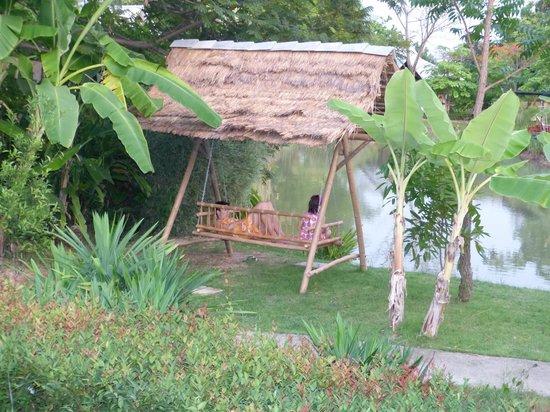 Baan Chai Thung: Relaxen am See
