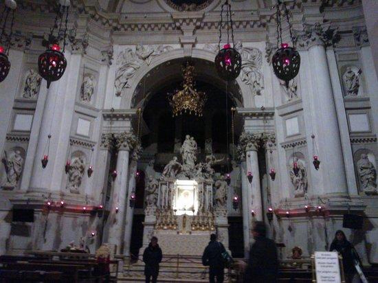 Basilica di Santa Maria della Salute: Altare maggiore