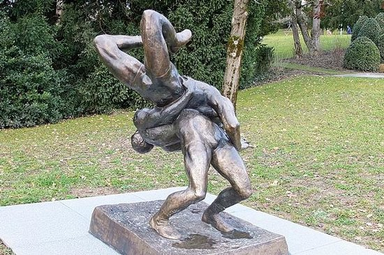 Olympic Museum Lausanne (Musee Olympique) : La lutte sans merci.